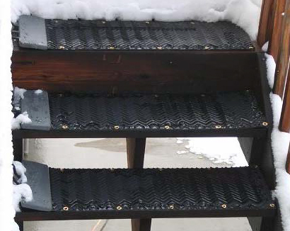 The HeatTrak® Industrial Snow-Melting Stair Mat offer heated rubber top stair treads to reduce slips and falls.